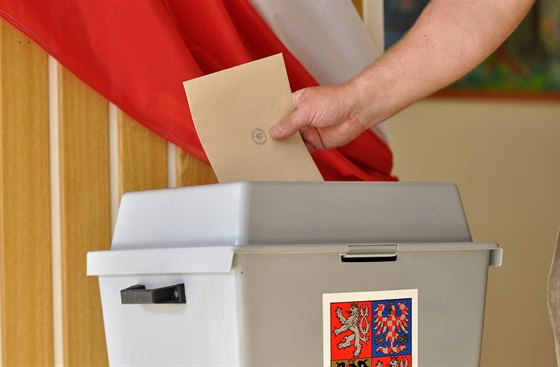 Election Fraud Alert - Ballot Boxes Stuffed! More Ballots Than Voters! - Czech Points
