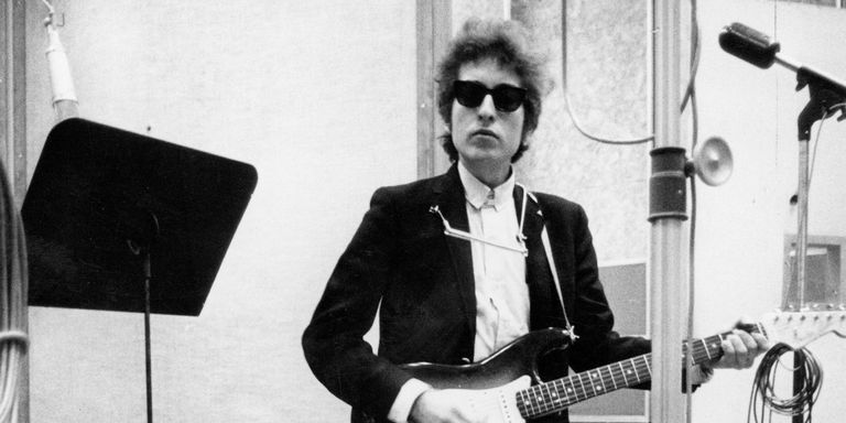 THE TIMES THEY ARE A-CHANGIN! Bob Dylan delights Brno on 'Never Ending Tour' - Czech Points