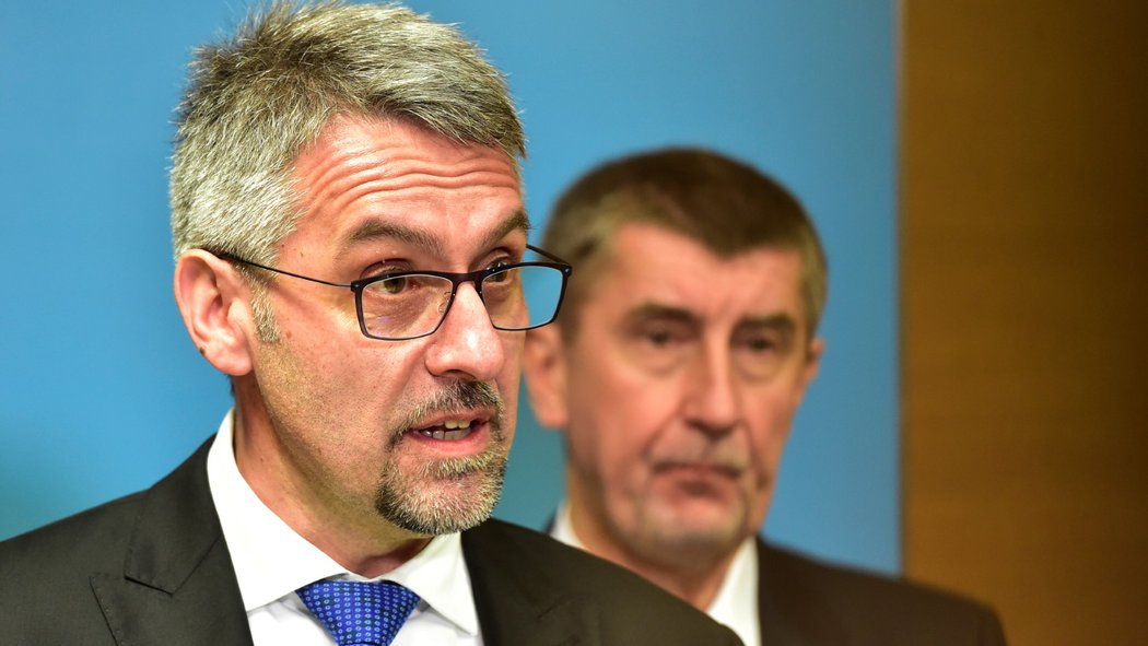 Defense Minister Metnar denies plagiarism charges refuses to resign - Czech Points