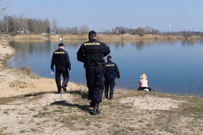 Clothing optional, but face masks required: Police - Czech Points