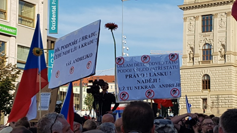 Protestors marching for democracy in Prague - Czech Points